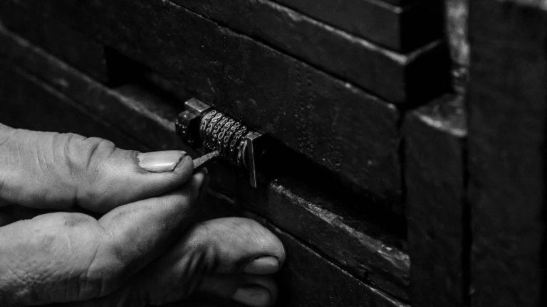 Hand picking lock